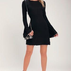 Lulu's Bell-Sleeve Dress